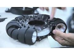 日本人做了一辆黑科技轮椅,50个轮子带你漂移!